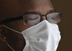 Wearing a mask makes your glasses foggy: Here a permanent solution to it!